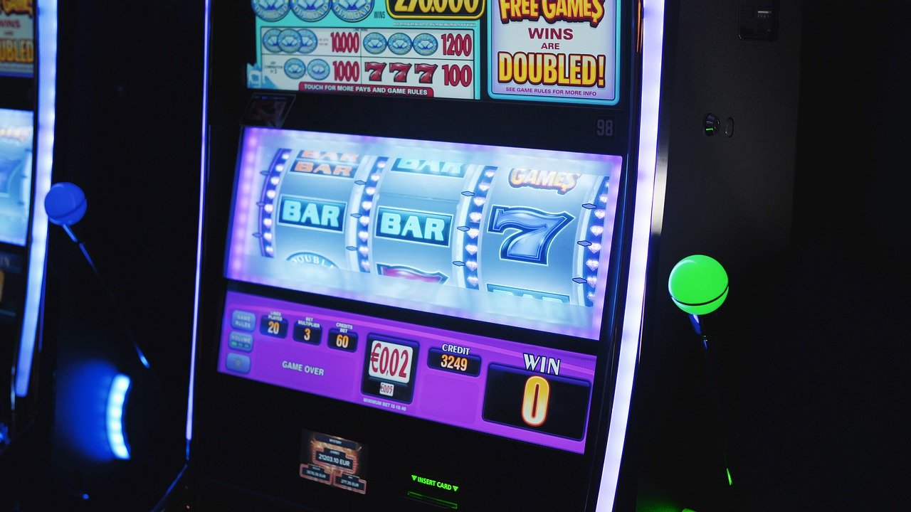 Online, Slots