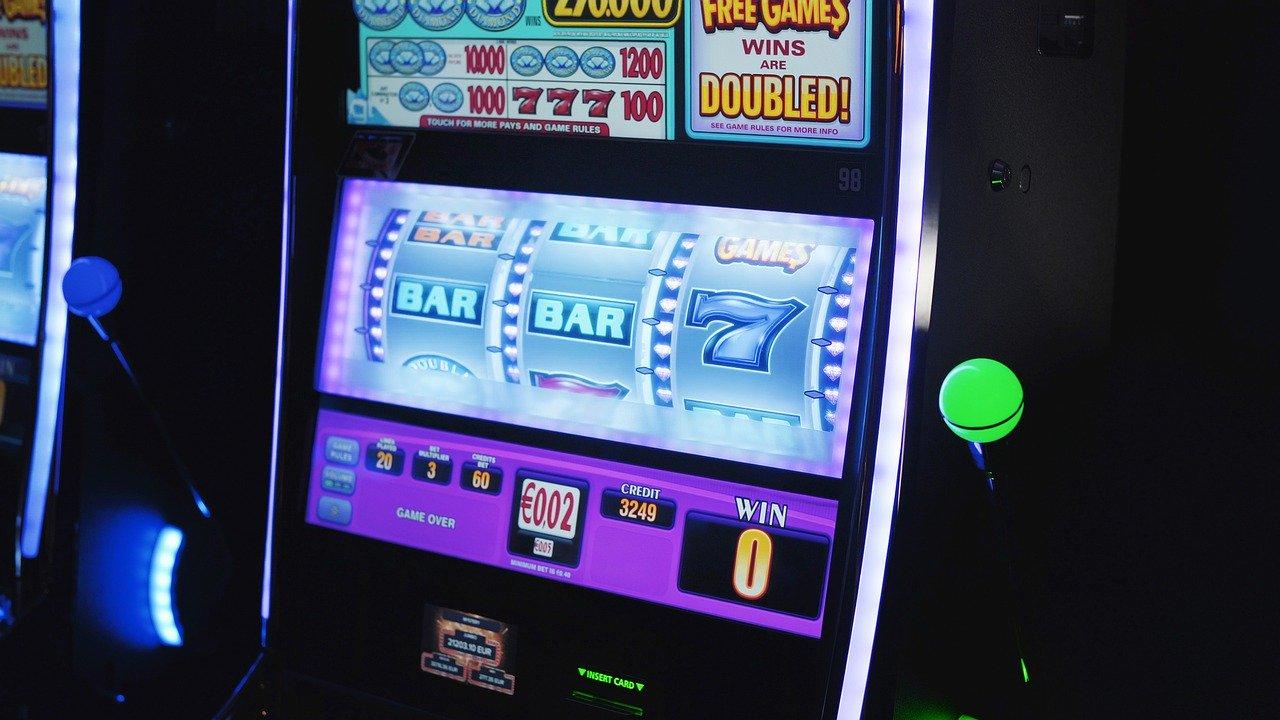 Online, Gambling